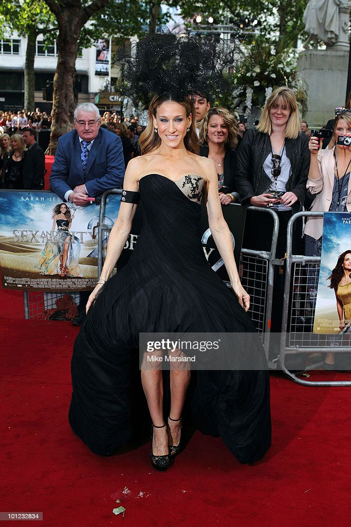 Sarah Jessica Parker attends the UK Premiere of Sex And The City 2 at the Odeon Leicester Square on on May 27, 2010 in London, England.