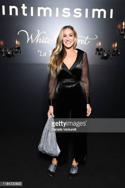 """Sarah Jessica Parker attends the White Cabaret """"La Premiére"""" - Intimissimi Show on October 29, 2019 in Verona, Italy."""