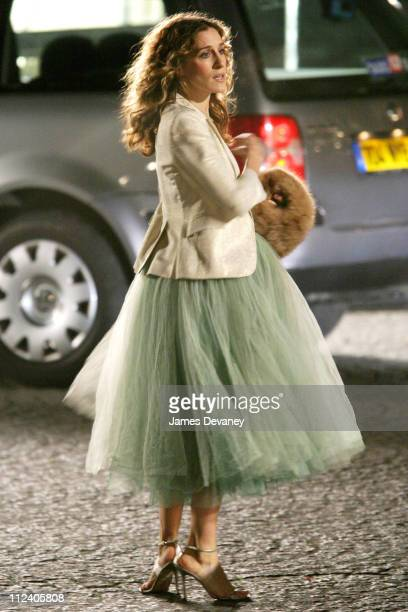 Sarah Jessica Parker during Sarah Jessica Parker on the Set of 'Sex and the City' in Paris France January 17 2004 at Streets of Paris in Paris France...