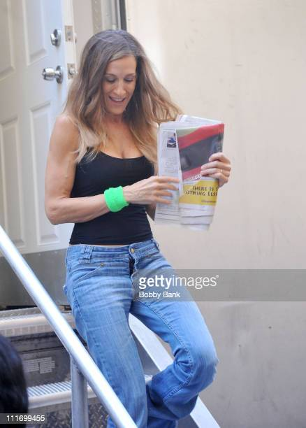 Sarah Jessica Parker filming on location for Sex And The City 2 on the streets of Manhattan on September 14 2009 in New York City