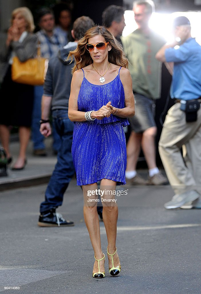 Sarah Jessica Parker filming on location for 'Sex And The City 2' on the streets of Manhattan on September 1, 2009 in New York City.