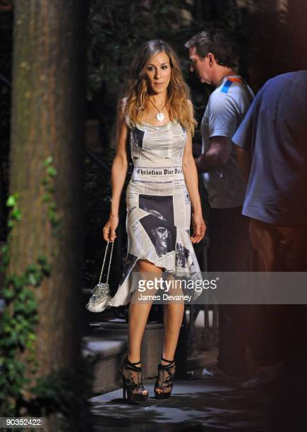 Sarah Jessica Parker films on location for Sex And The City 2 on the Streets of Manhattan on September 4 2009 in New York City