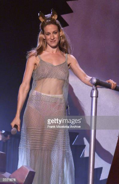 Sarah Jessica Parker host of the '2000 MTV Movie Awards' at the Sony Pictures Studio in Culver City Ca