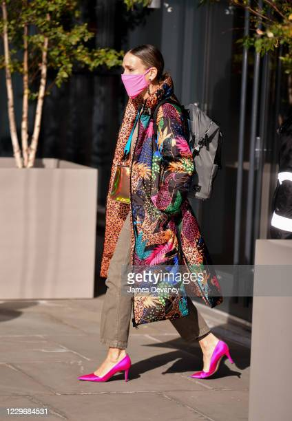Sarah Jessica Parker leaves her store SJP by Sarah Jessica Parker at the Seaport on November 19, 2020 in New York City.