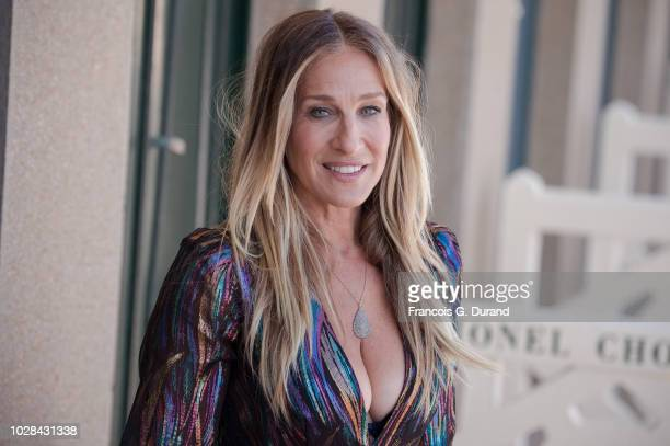 Sarah Jessica Parker poses during the unveiling of his dedicated beach locker room on the Promenade des Planches during the 44th Deauville US Film...