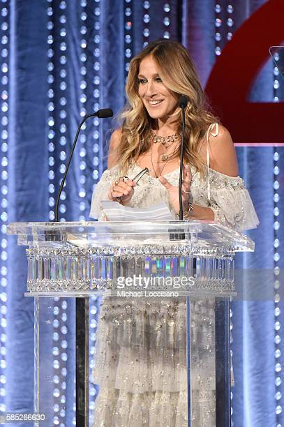 Sarah Jessica Parker speaks on stage during the Accessories Council 20th Anniversary celebration of the ACE awards at Cipriani 42nd Street on August...