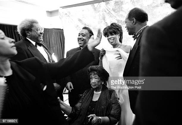 Sarah L Voisin DATE NEGATIVE #122173 Oprah Winfrey and Danny Glover are the masters of ceremonies for the Uncommon Heigh Gala Dinner celebrating the...