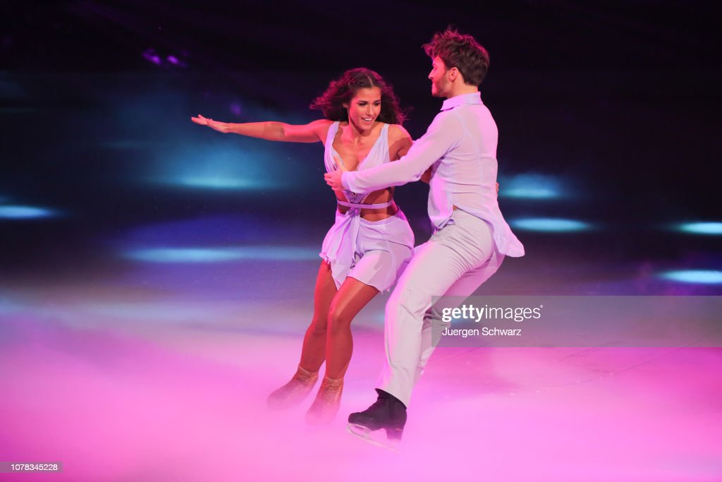 'Dancing on Ice' First Show In Cologne : News Photo