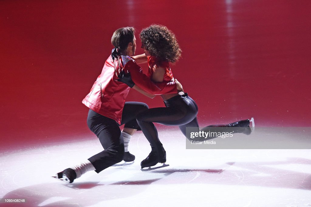 'Dancing On Ice' Semi Finals In Cologne : News Photo
