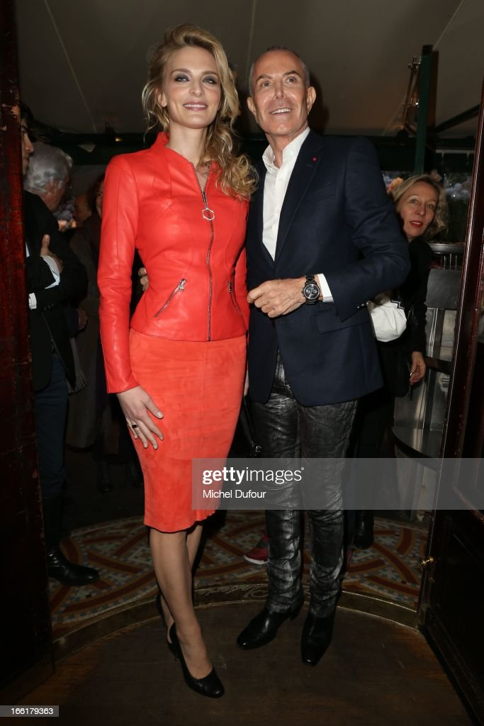 Sarah Marshall and Jean Claude Jitrois attend the La Closerie Des Lilas Literary Awards 2013 - 7th Edition at La Closerie Des Lilas on April 9, 2013 in Paris, France.