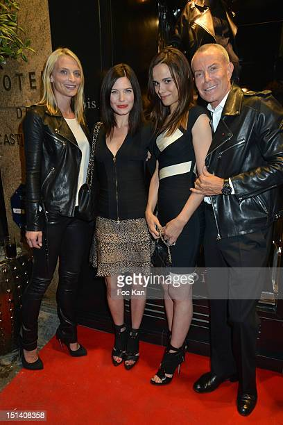 Sarah Marshall Delphine Chaneac Melissa Mars and Jean Claude Jitrois pose at the Jean Claude Jitrois Shop during the Vogue Fashion Night Out 2012 in...