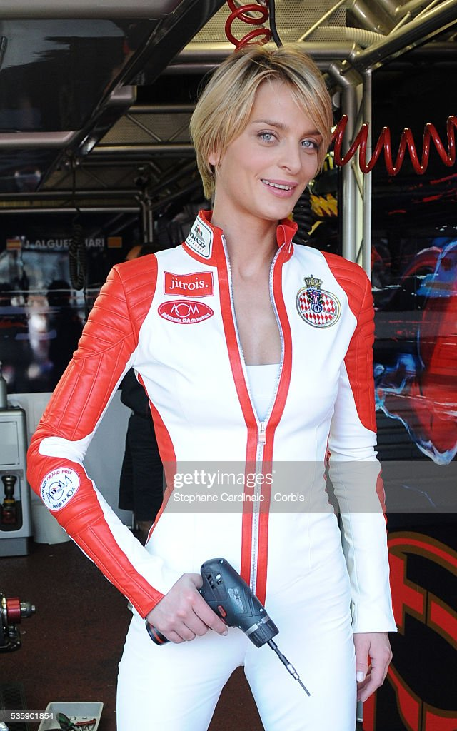 Sarah Marshall dressed by Jean Claude Jitrois at the Monaco Grand Prix.