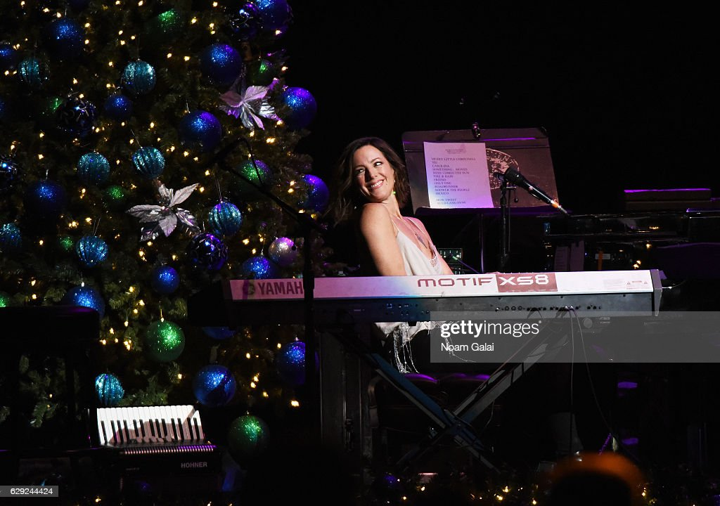 """WCBS-FM 101.1's """"Holiday In Brooklyn"""" - Performances"""