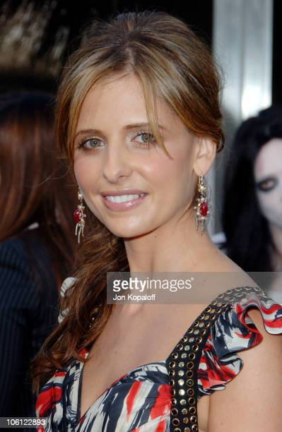 Sarah Michelle Gellar during 'The Grudge 2' Los Angeles Premiere Arrivals at Knott's Berry Farm in Buena Park California United States