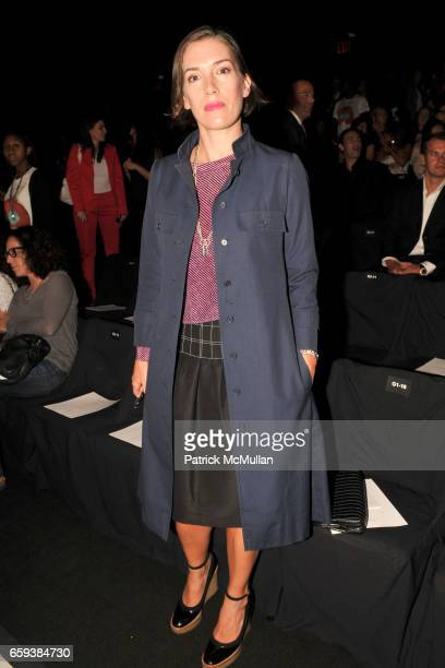 Sarah Morris attends NARCISO RODRIGUEZ Spring/Summer 2010 at Bryant Part Tents on September 15 2009 in New York City
