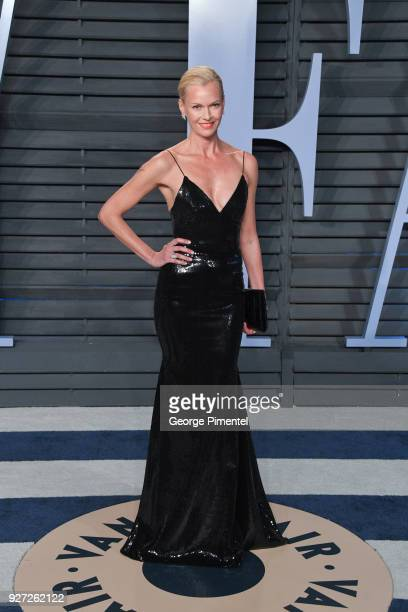 Sarah Murdoch attends the 2018 Vanity Fair Oscar Party hosted by Radhika Jones at Wallis Annenberg Center for the Performing Arts on March 4 2018 in...