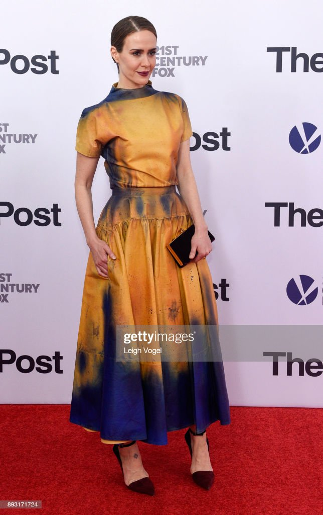 Sarah Paulson arrives at 'The Post' Washington, DC Premiere at The Newseum on December 14, 2017 in Washington, DC.