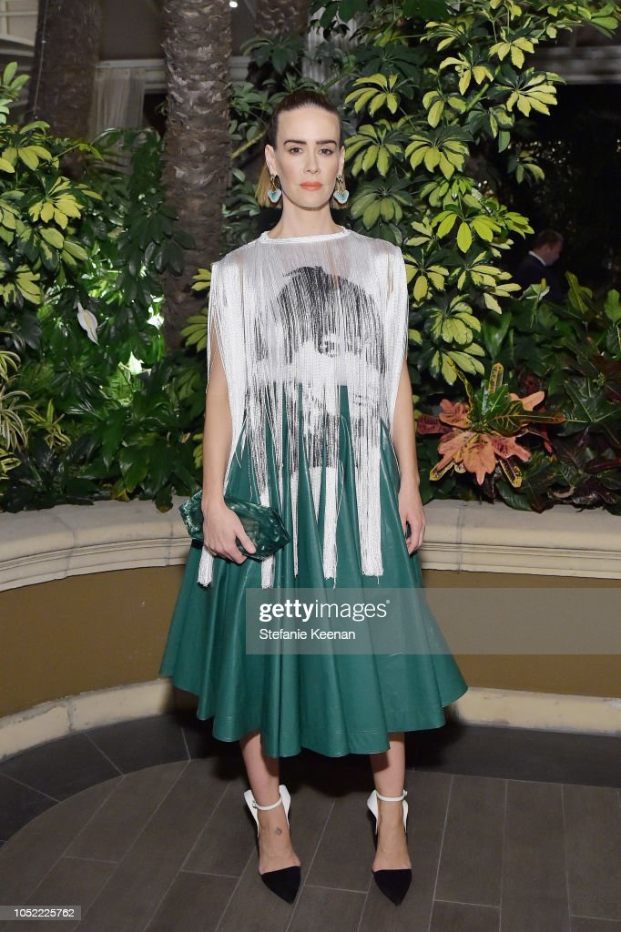 ELLE's 25th Annual Women In Hollywood Celebration Presented By L'Oreal Paris, Hearts On Fire And CALVIN KLEIN - Inside : News Photo