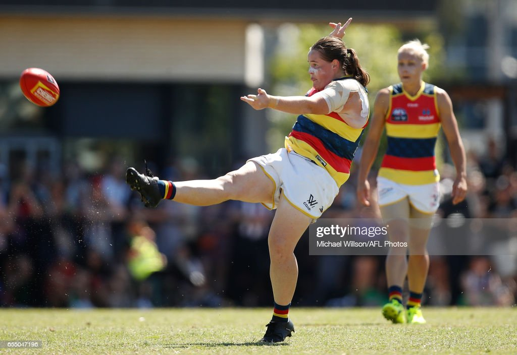 AFL Women's Rd 7 - Collingwood v Adelaide : News Photo