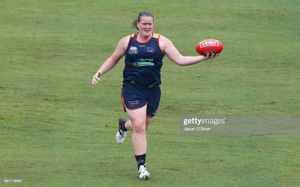 AFLW Adelaide Crows Training Session : News Photo