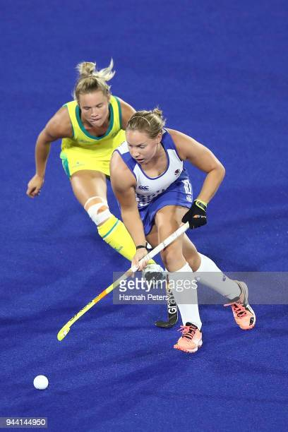 Sarah Robertson of Scotland makes a break during the Women's Pool B match between Australia and Scotland on day six of the Gold Coast 2018...