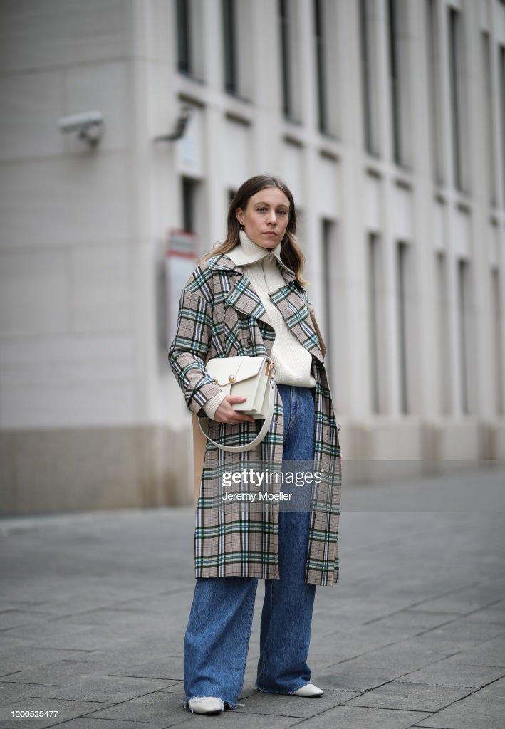Street Style - Munich - February 14, 2020 : News Photo