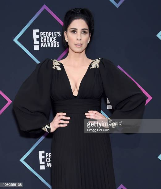 Sarah Silverman poses in the press room at the People's Choice Awards 2018 at Barker Hangar on November 11 2018 in Santa Monica California