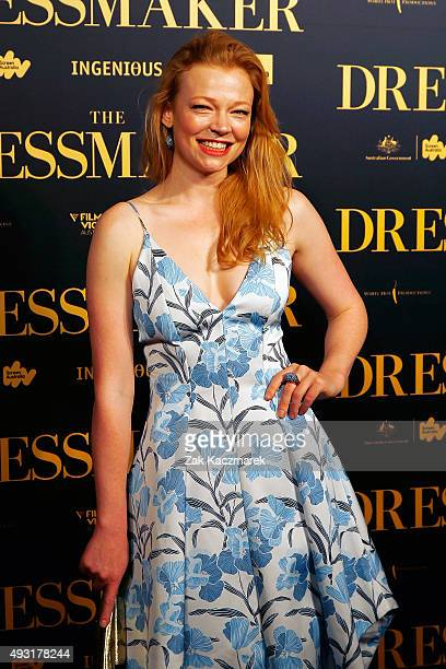 Sarah Snook arrives ahead of the Australian premiere of 'The Dressmaker' on October 18 2015 in Melbourne Australia