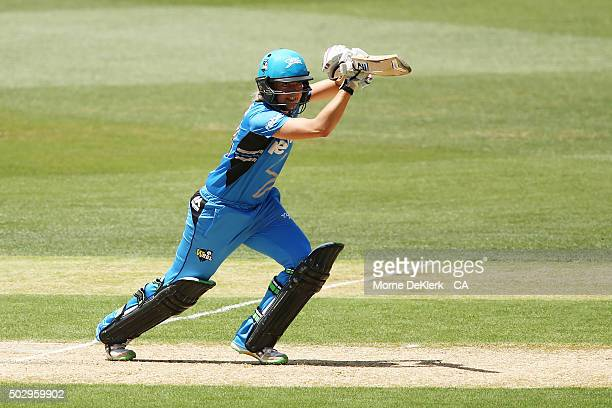 Sarah Taylor of the Adelaide Strikers bats during the Women's Big Bash League match between the Adelaide Strikers and the Perth Scorchers at Adelaide...