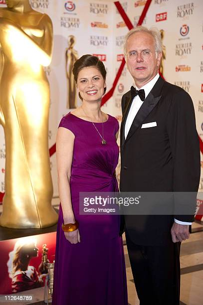 Sarah Wiener and Harald Schmidt attend the 22nd KURIER ROMY Gala at the Hofburg on April 16 2011 in Vienna Austria The Austrian public is asked to...