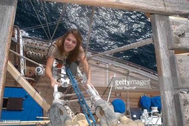 """Sarah Wuergler, Freundin von C L A U S T H E O G Ä R T N E R, Urlaub, Luxus-4-Mast-Segelyacht """"Star Flyer"""", Andamanen-See/Thailand, , Mast, Takelage,..."""