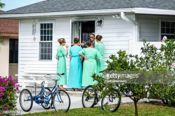 Sarasota Pinecraft Pine Craft Amish Mennonite snowbird community