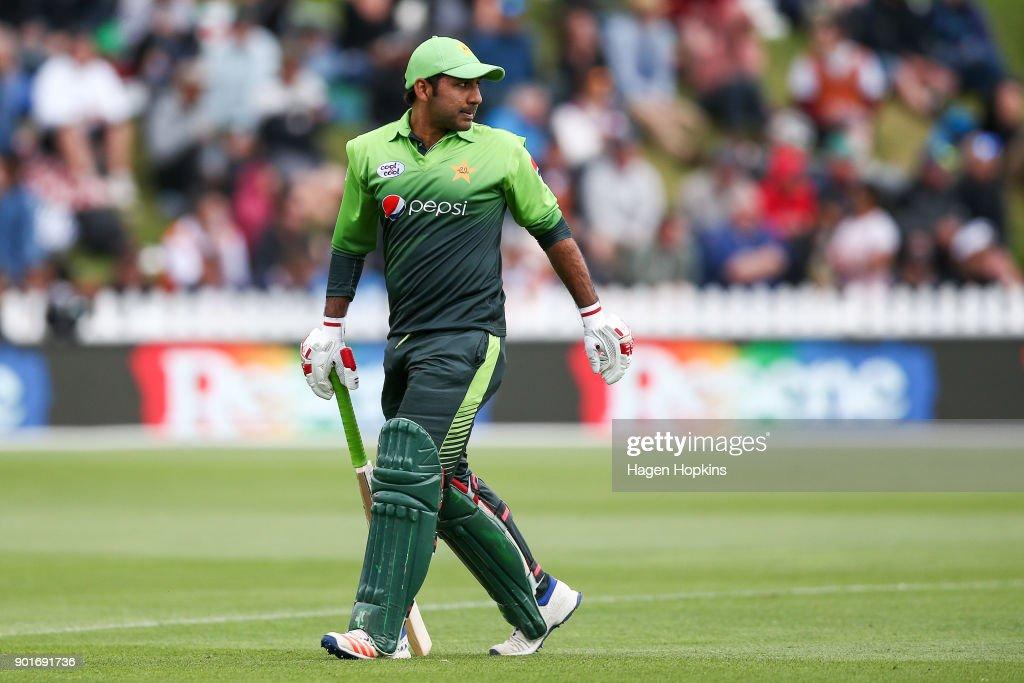 New Zealand v Pakistan - 1st ODI : News Photo