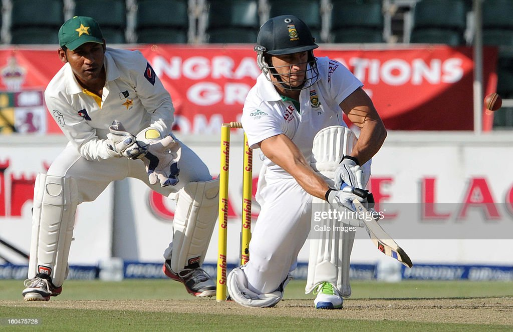 Sarfraz Ahmed of Pakistan looks on as Faf du Plessis of South Africa paddles the ball down to fine leg during day 1 of the first Test match between South Africa and Pakistan at Bidvest Wanderers Stadium on February 01, 2013 in Johannesburg, South Africa.