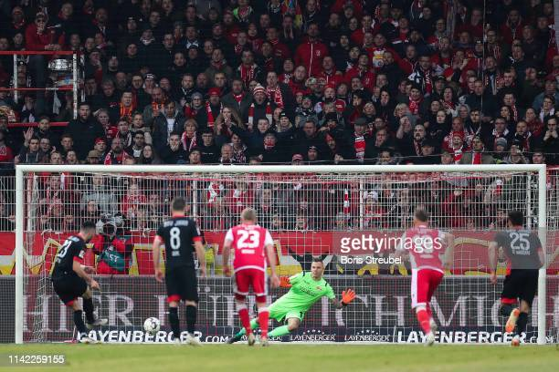 Sargis Adamyan of SSV Jahn Regensburg scores his team's first goal from the penalty spot during the Second Bundesliga match between 1. FC Union...
