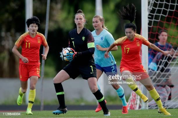 Sari van Veenendaal of Holland Women, Gu Yasha of China Women during the Algarve Cup Women match between China PR v Holland at the Estadio Municipal...