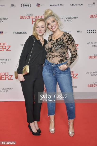 Sarina Nowak and her sister during the 'Dieses bescheuerte Herz' premiere on December 12 2017 in Berlin Germany