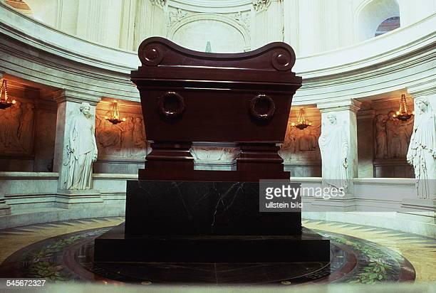 Sarkophag von Kaiser Napoleon I.im Invalidendom- 1992