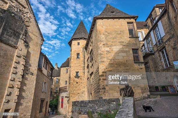 CONTENT] Sarlat la Canéda or simply Sarlat is a commune in the Dordogne department in Aquitaine in southwestern France The town of Sarlat is in a...