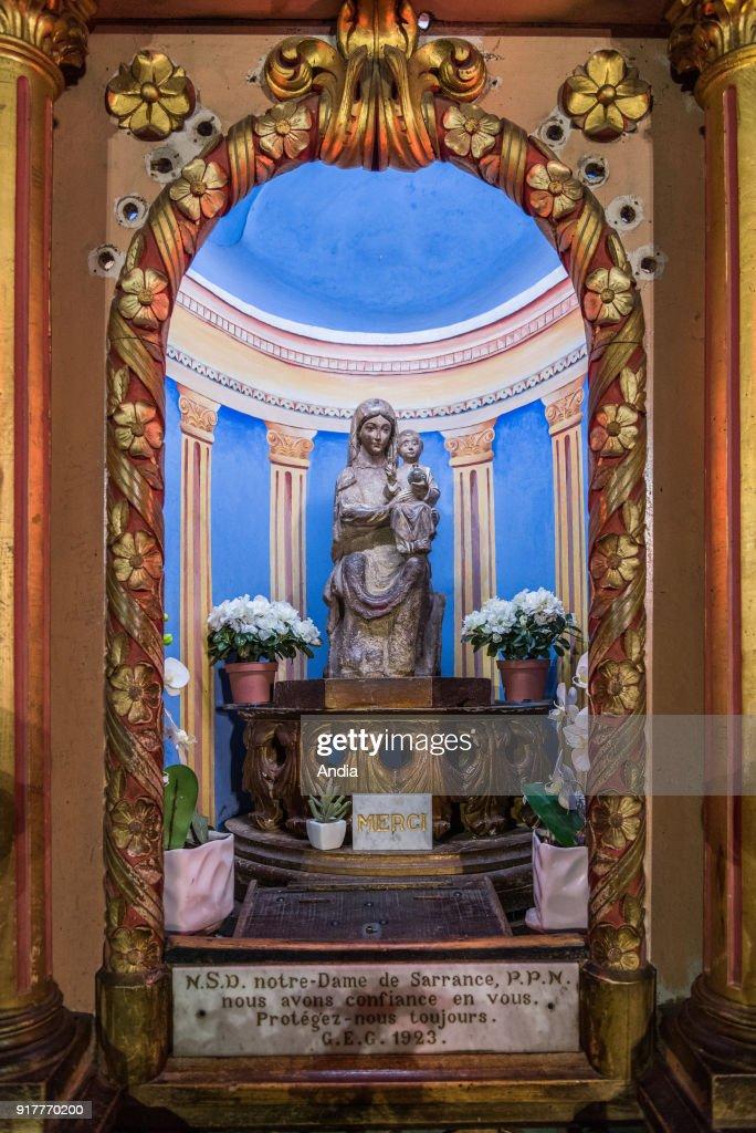 Statue of Notre-Dame de Sarrance. : Fotografía de noticias
