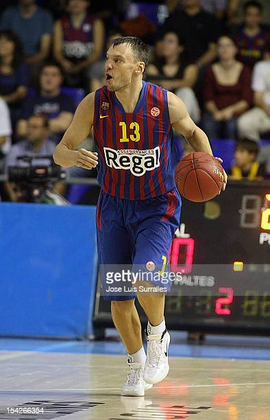 Sarunas Jasikevicius #13 of FC Barcelona Regal in action during the 20122013 Turkish Airlines Euroleague Regular Season Game Day 1 between FC...