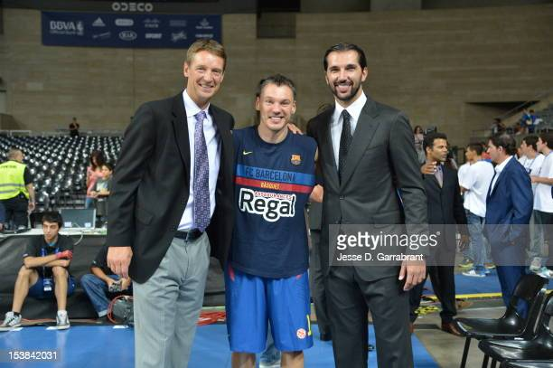 Sarunas Jasikevicius of FC Barcelona Regal poses with former NBA players Detlef Schrempf and Peja Stojakovic during the game at Palau St Jordi for...