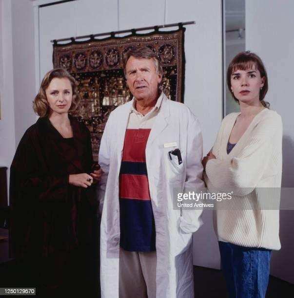 Sascha darf nicht sterben Fernsehfilm Deutschland 1995 Regie Marijan David Vajda Darsteller Marita Marschall Günther Hoffmann Dana Vavrova