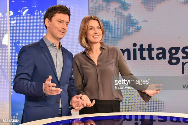 Sascha Hingst and Jessy Wellmer during the 'ARD Mittagsmagazin' photo call on November 16 2017 in Berlin Germany