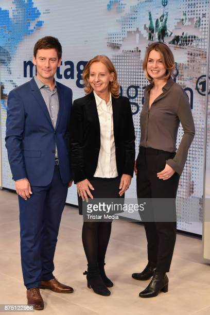Sascha Hingst Patricia Schlesinger and Jessy Wellmer during the 'ARD Mittagsmagazin' photo call on November 16 2017 in Berlin Germany