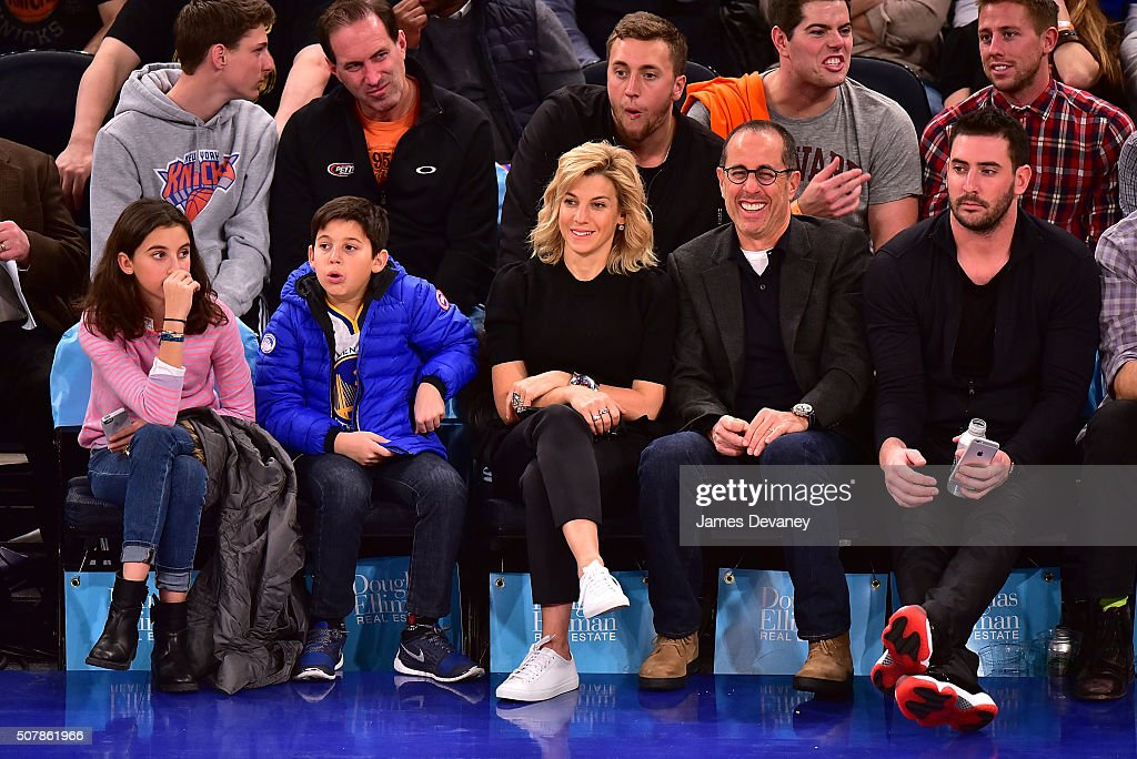 Celebrities Attend The Golden State Warriors Vs New York Knicks Game - January 31, 2016 : Nieuwsfoto's