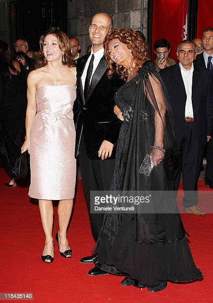 Sasha Alexander Edoardo Ponti and Sophia Loren attend the Opening Ceremony Concert and Tribute To Sophia Loren during Day 1 of the 2nd Rome Film...