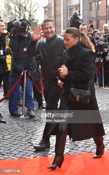 Sasha and Julia Roentgen during the memorial service for Jan Fedder at Hamburger Michel on January 14 2020 in Hamburg Germany German actor Jan Fedder...