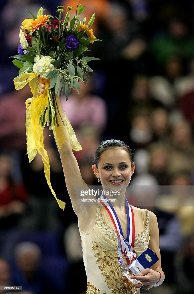 Sasha Cohen acknowledges the crowd after receiving gold medal from the Women's Free program at the 2006 State Farm U.S. Figure Championships at the Savvis Center on January 14, 2006 in St. Louis, Missouri.
