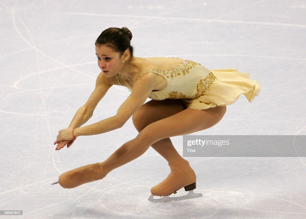 Sasha Cohen competes in the Free skate at the 2006 State Farm U.S. Figure Championships at the Savvis Center on January 14, 2006 in St. Louis, Missouri.